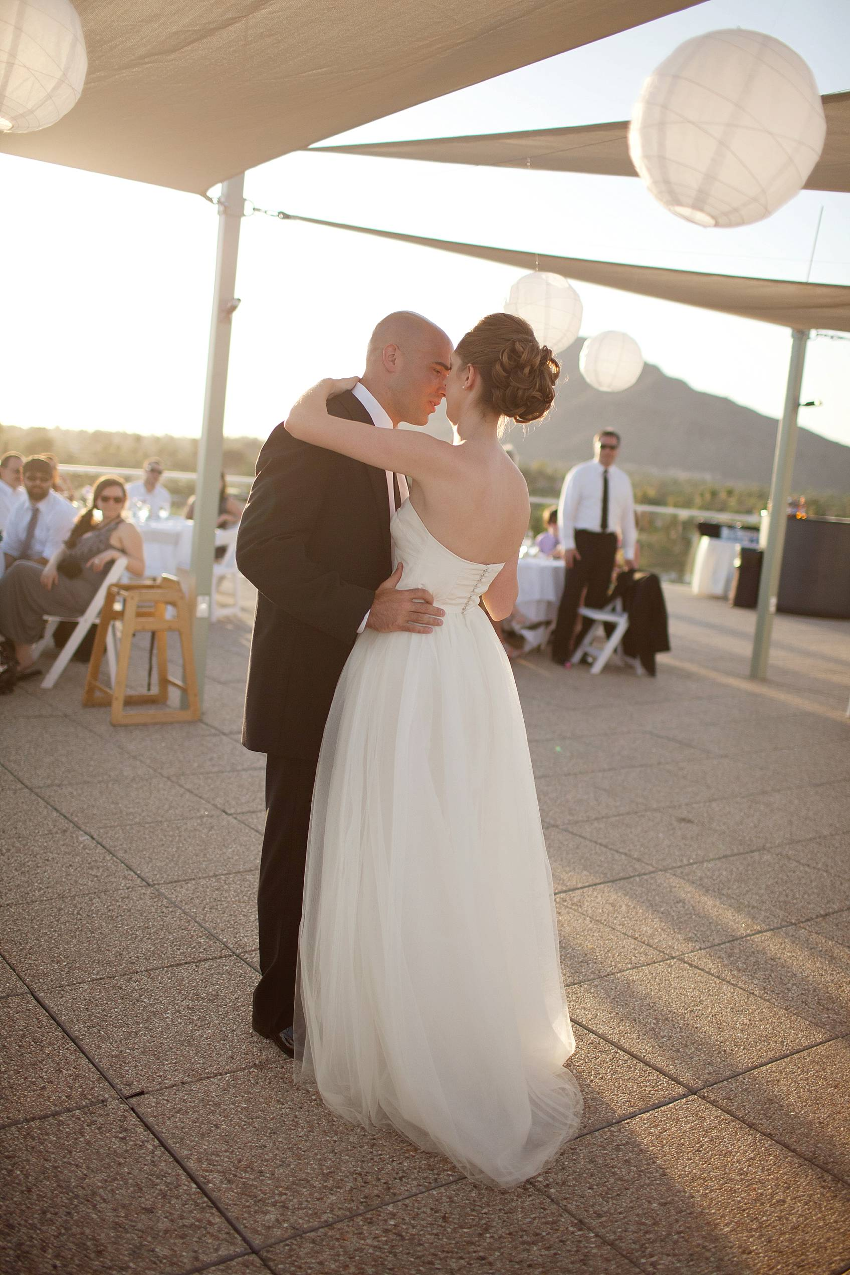 dancing wedding couple at hotel valley ho
