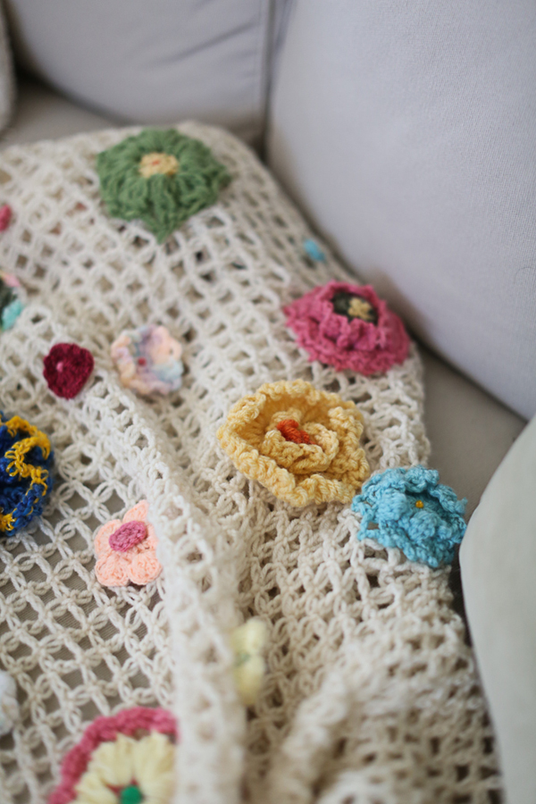 crochet-blanket-anthropologie-quirky-heirloom-throw-pattern-mom005