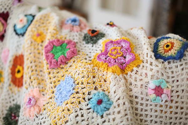 crochet-blanket-anthropologie-quirky-heirloom-throw-pattern-mom009