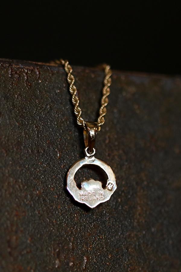 galway-ireland-travel-souvenirs-claddagh-ring-114
