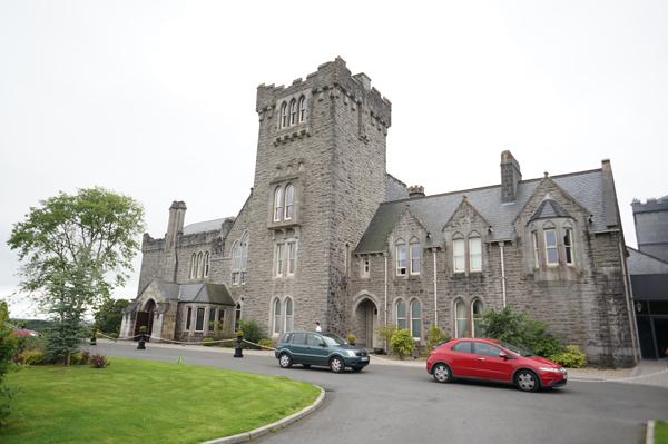 ireland-travel-blogger-republic-of-ireland-northern-ireland-castle-tour-tips-photos032
