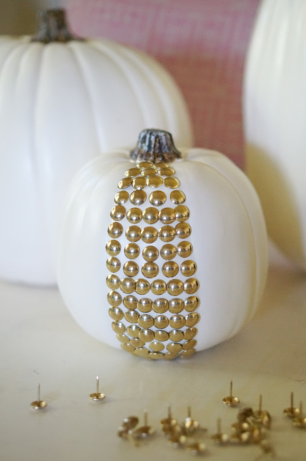 pumpkin-halloween-decoration-DIY-nailhead-upholstery-nails-pumpkin-thanksgiving-decor-003