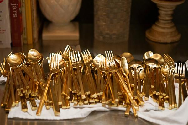 gold-flat-ware-111