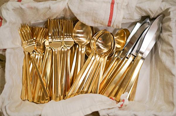 gold-flat-ware-112