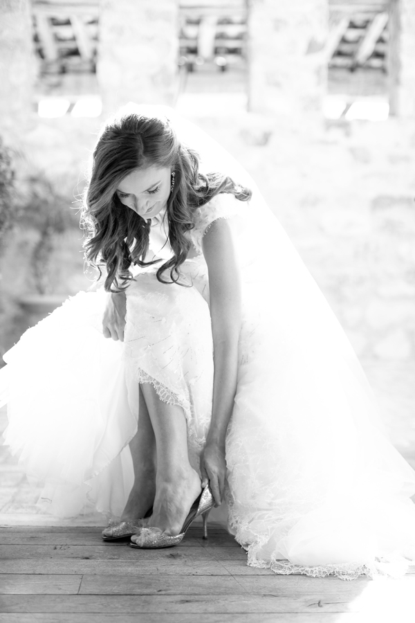silverleaf-club-wedding-scottsdale-arizona-wedding-photographer-jimmy-choo-monique-lhuillier-dress