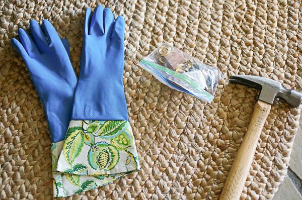 dishwashing-gloves-DIY-hang-grommet-111