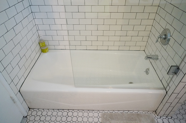 bathroom-subway-tile-half-shower-glass-1