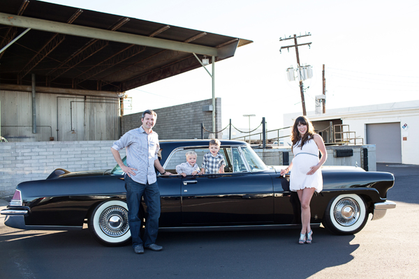 diana-elizabeth-photography-maternity-phoenix-arizona-photographer-photography-classic-car-005