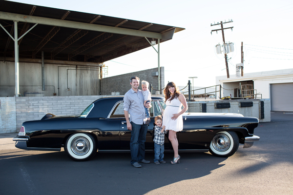 diana-elizabeth-photography-maternity-phoenix-arizona-photographer-photography-classic-car-007