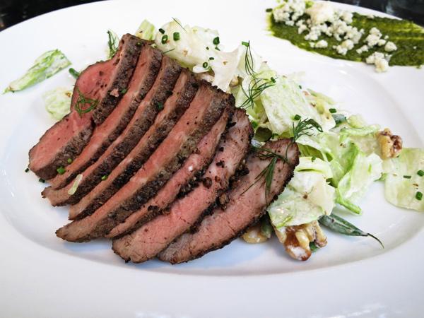 zinc-bistro-kierland-commons-steak-salad