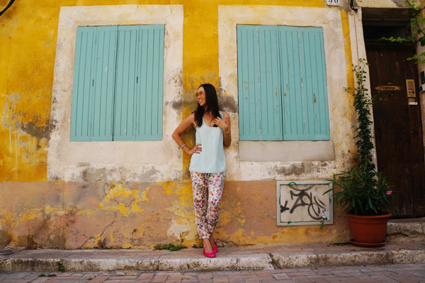 france-outfit-floral-pants