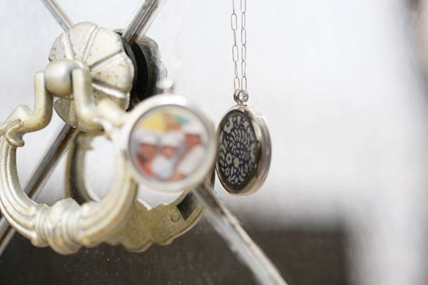 glass-locket-uncommon-goods-4
