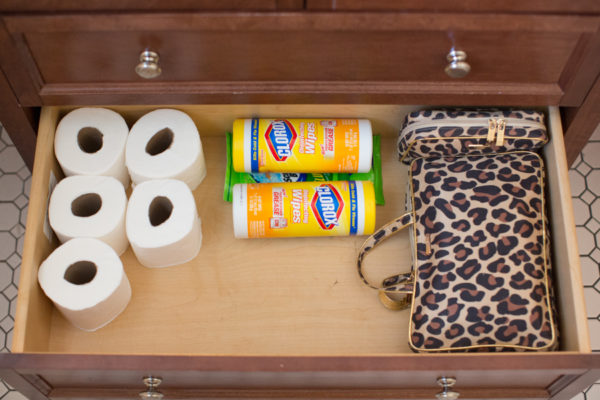 makeup-bathroom-cleaning-organization-spring-cleaning-tips-blogger-makeup-lifestyle-120