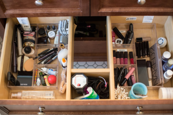 makeup-bathroom-cleaning-organization-spring-cleaning-tips-blogger-makeup-lifestyle-124