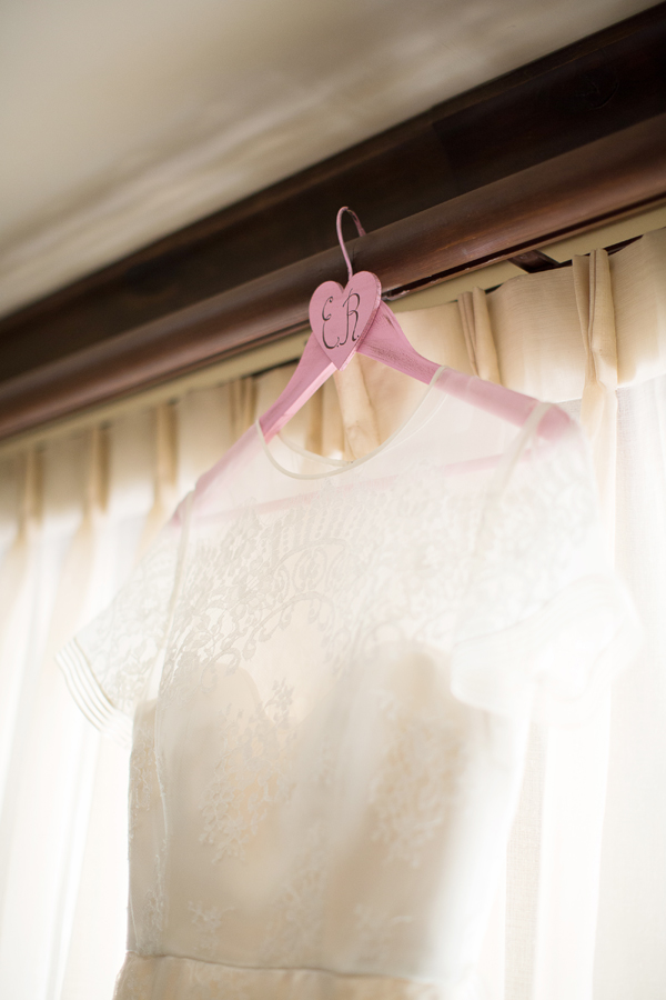 wedding-dress-hanger-4