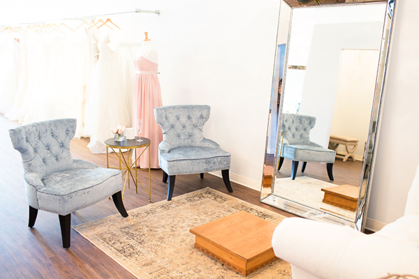 bella-lily-bridal-glendale-arizona-phoenix-bridal-boutique-diana-elizabeth-photography014