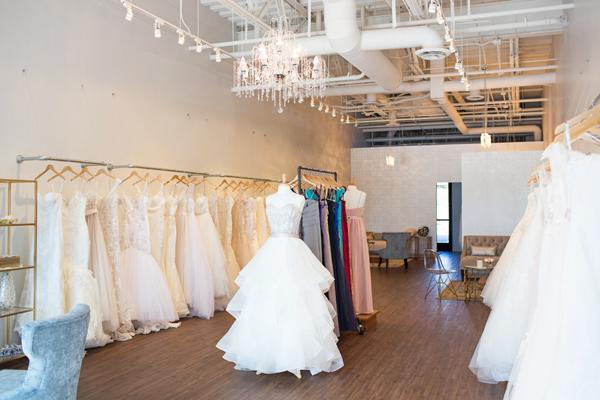 bella-lily-bridal-glendale-arizona-phoenix-bridal-boutique-diana-elizabeth-photography016