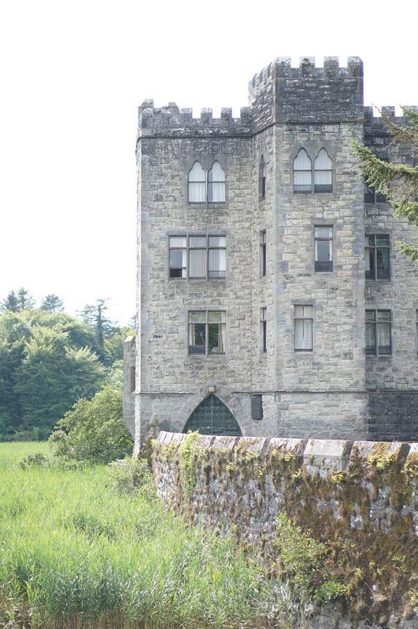 reign-filming-ireland-ashford-castle116