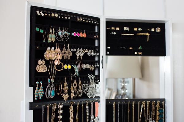 over-the-door-best-jewelry-organizer-case-closet-lifestyle-blogger-113