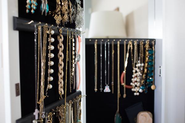 over-the-door-best-jewelry-organizer-case-closet-lifestyle-blogger-116