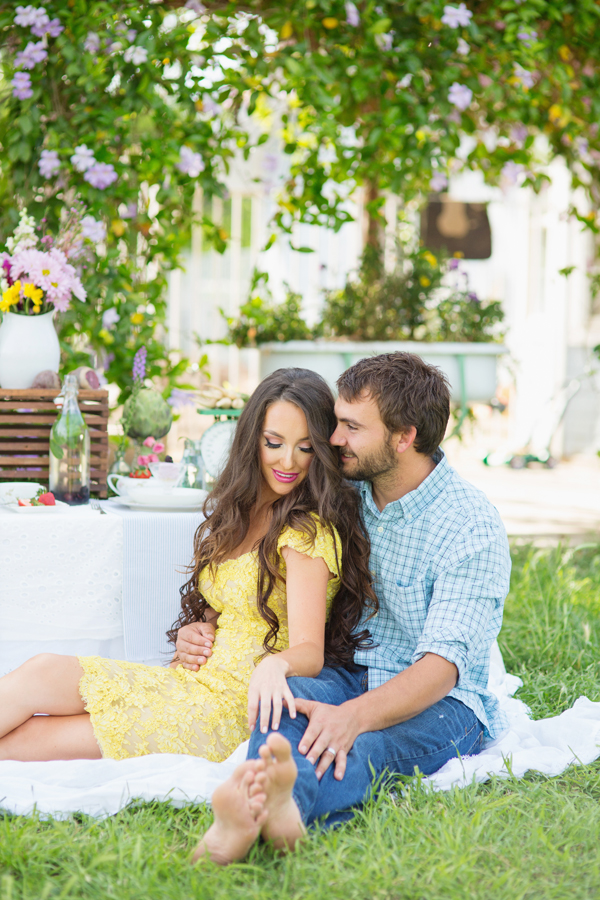 diana-elizabeth-portrait-couple-engagement-ideas-photography-posing-ideas-angela-saban-design-farm-shoot-gilbert-arizona-couture-farm-rent-the-runway-chickens-goats-020