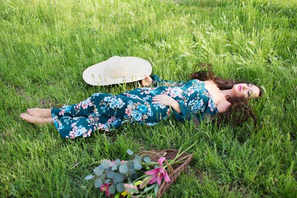 diana-elizabeth-portrait-couple-engagement-ideas-photography-posing-ideas-angela-saban-design-farm-shoot-gilbert-arizona-couture-farm-rent-the-runway-chickens-goats-037
