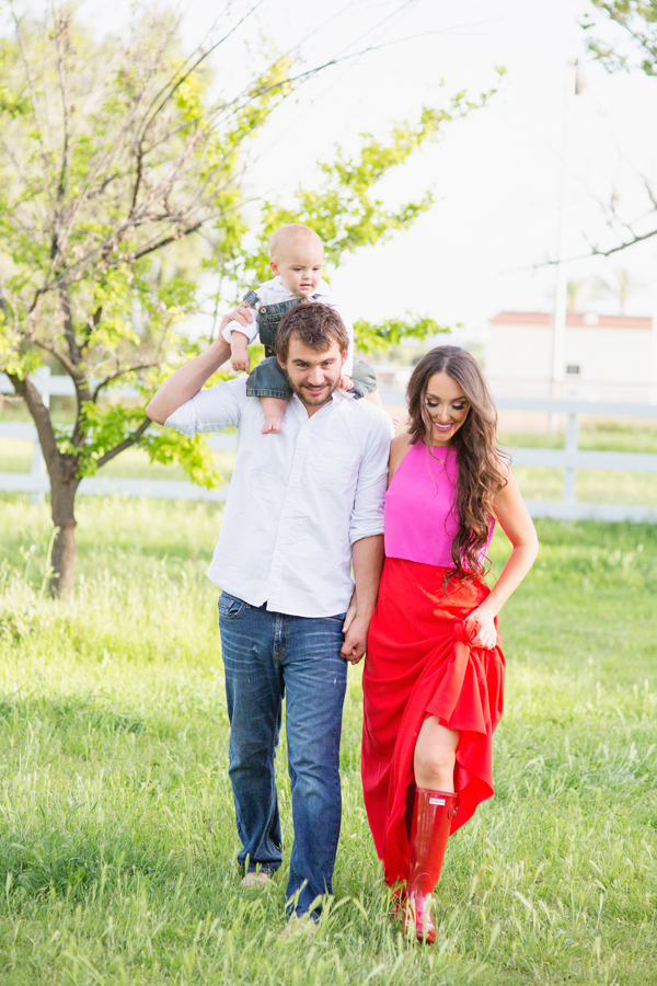 diana-elizabeth-portrait-couple-engagement-ideas-photography-posing-ideas-angela-saban-design-farm-shoot-gilbert-arizona-couture-farm-rent-the-runway-chickens-goats-051