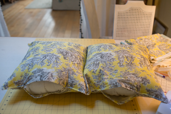 pillow-cushion-custom-sewing-diy-project-toile-print-120