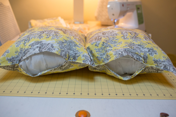 pillow-cushion-custom-sewing-diy-project-toile-print-121