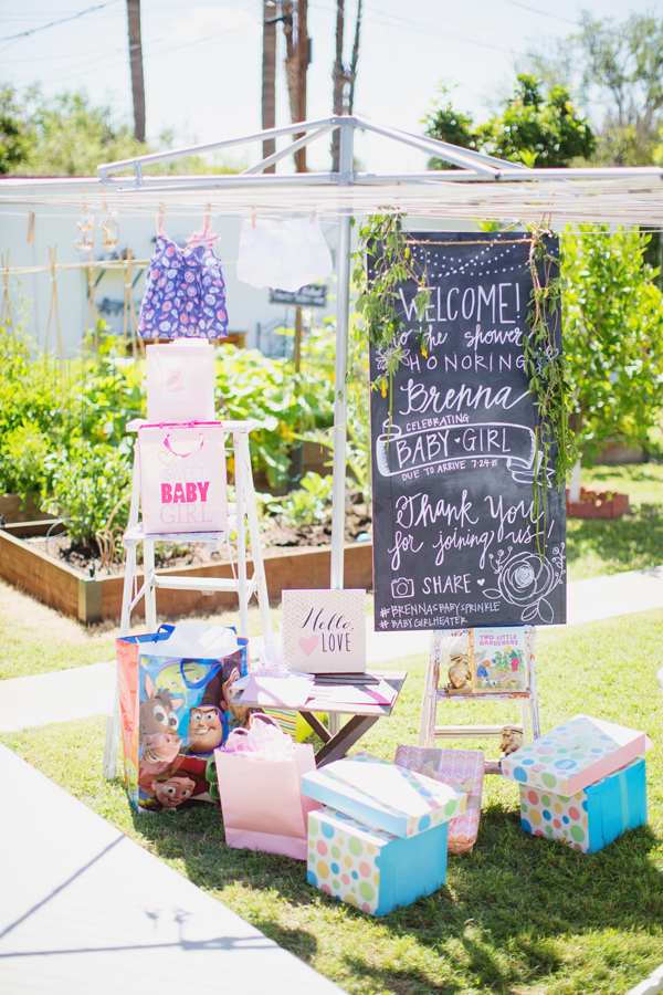 girl-baby-shower-garden-pink-peach-tea-party-theme013