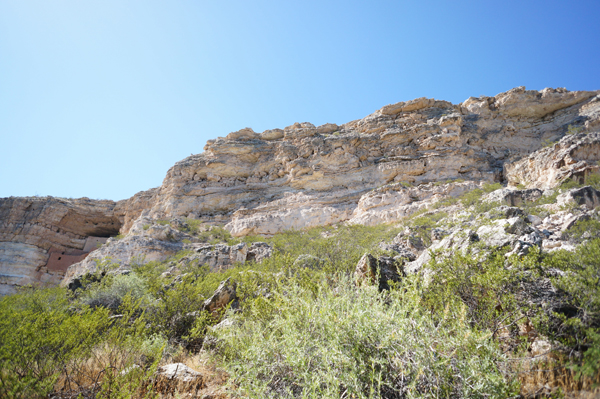 montezuma-castle-arizona-camp-verde-clear-water-creek-arizona-travel-blogger015