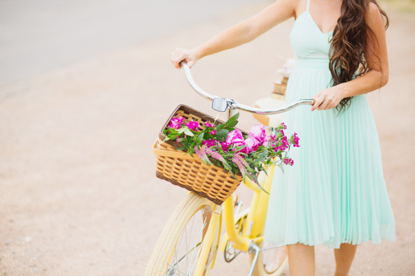 freely-christian-subscription-box-graphic-design-photo-shoot-yellow-bike017