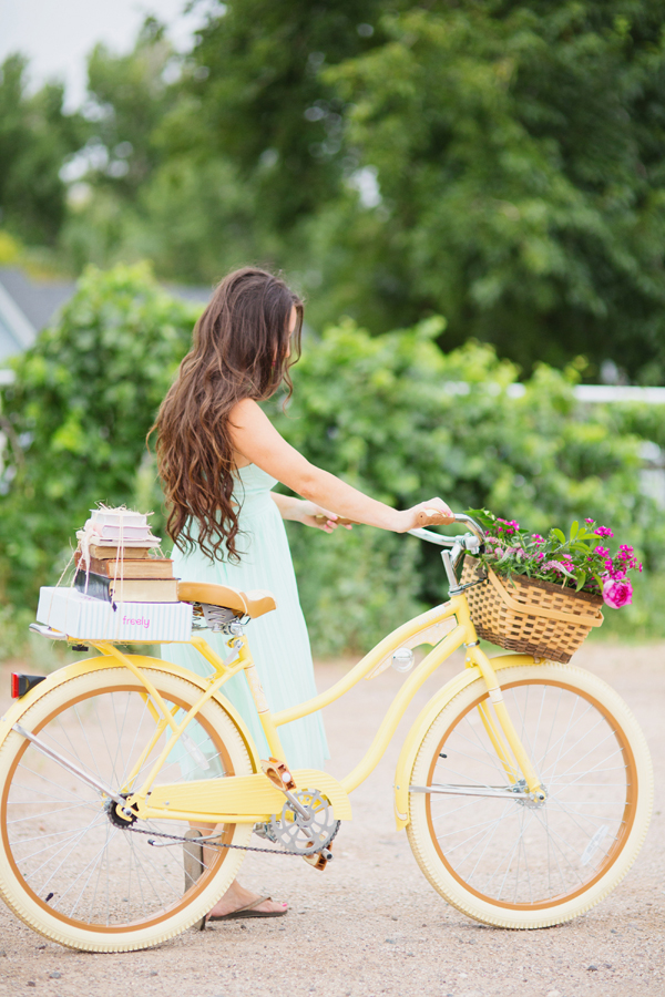 freely-christian-subscription-box-graphic-design-photo-shoot-yellow-bike018