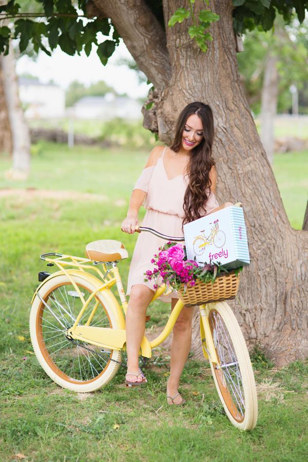 freely-christian-subscription-box-graphic-design-photo-shoot-yellow-bike021