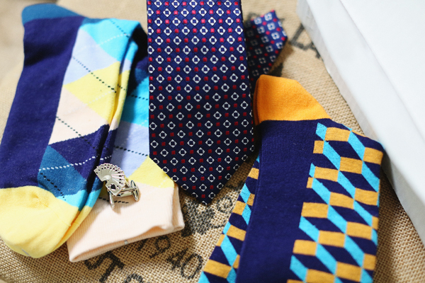 dapper-box-men-subscription-box-ties-socks-2