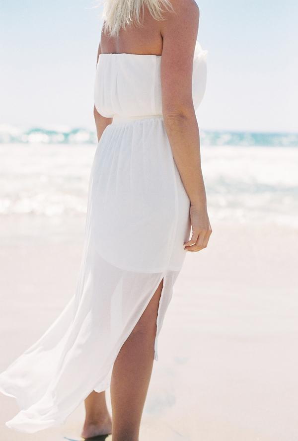 sandcastles-beach-sunshine-film-fuji-400h-diana-elizabeth-photography-newport-beach-gunn-swain-blanket004