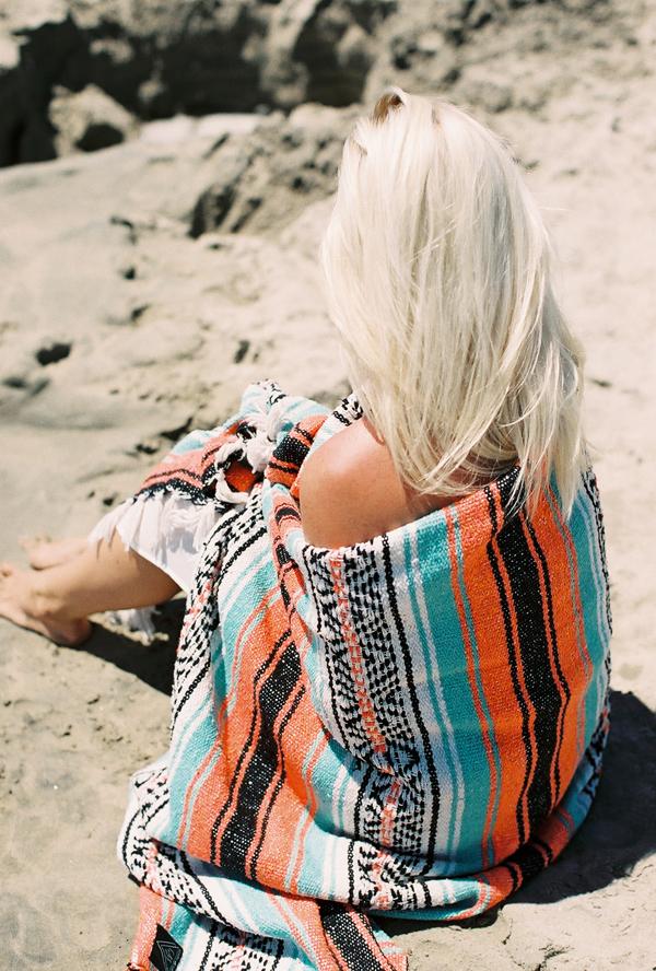sandcastles-beach-sunshine-film-fuji-400h-diana-elizabeth-photography-newport-beach-gunn-swain-blanket007