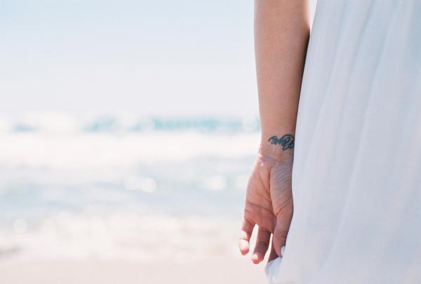 sandcastles-beach-sunshine-film-fuji-400h-diana-elizabeth-photography-newport-beach-gunn-swain-blanket016