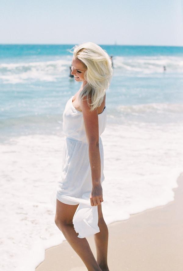 sandcastles-beach-sunshine-film-fuji-400h-diana-elizabeth-photography-newport-beach-gunn-swain-blanket022