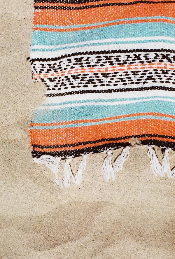 sandcastles-beach-sunshine-film-fuji-400h-diana-elizabeth-photography-newport-beach-gunn-swain-blanket029