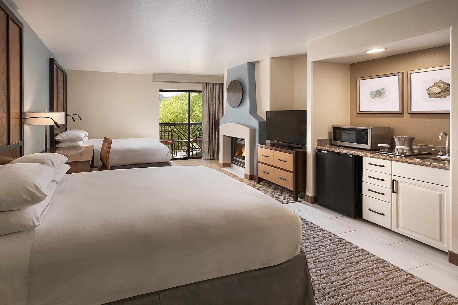 sedona getaway hilton sedona resort diana elizabeth. Black Bedroom Furniture Sets. Home Design Ideas