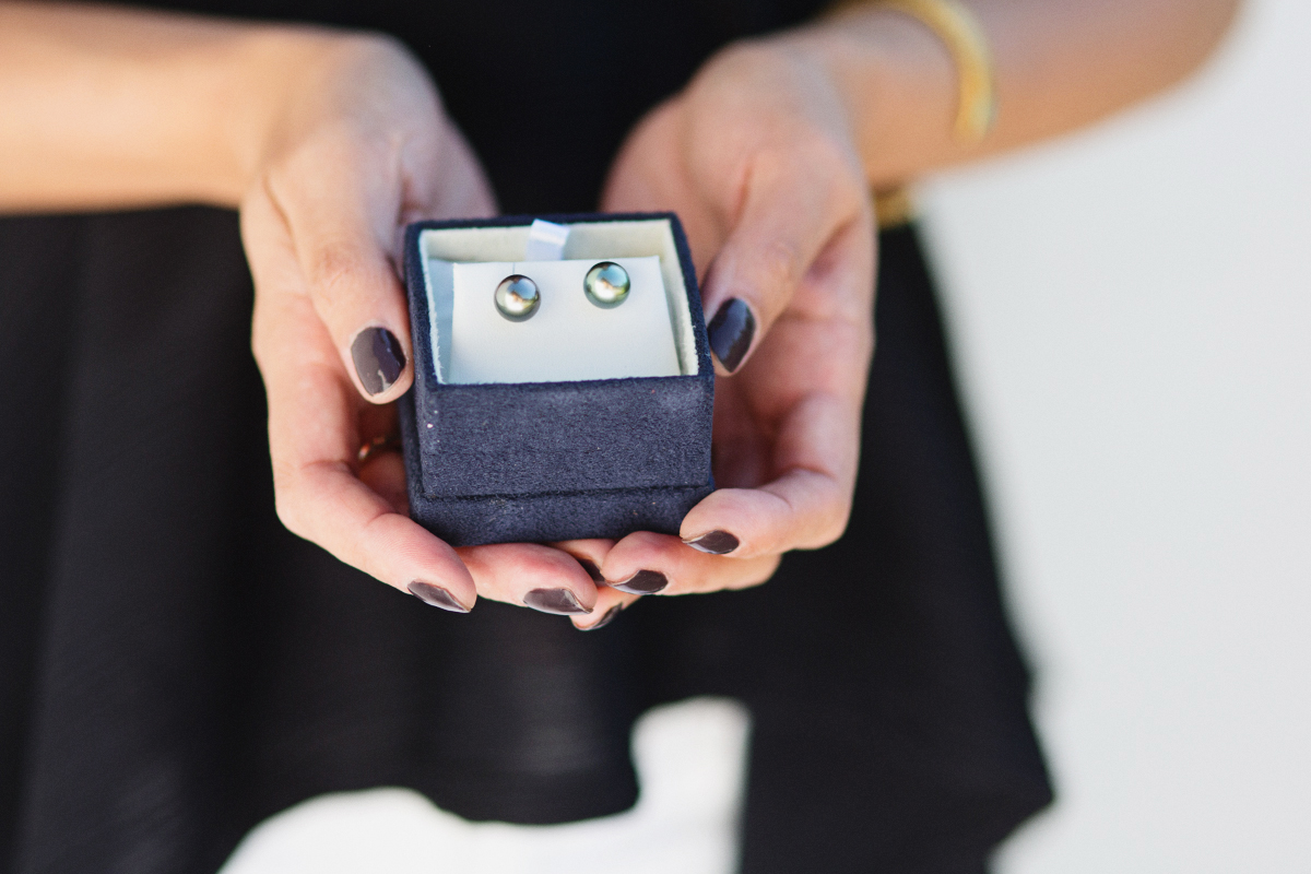 laguna-pearl-earrings-blogger-review-9907