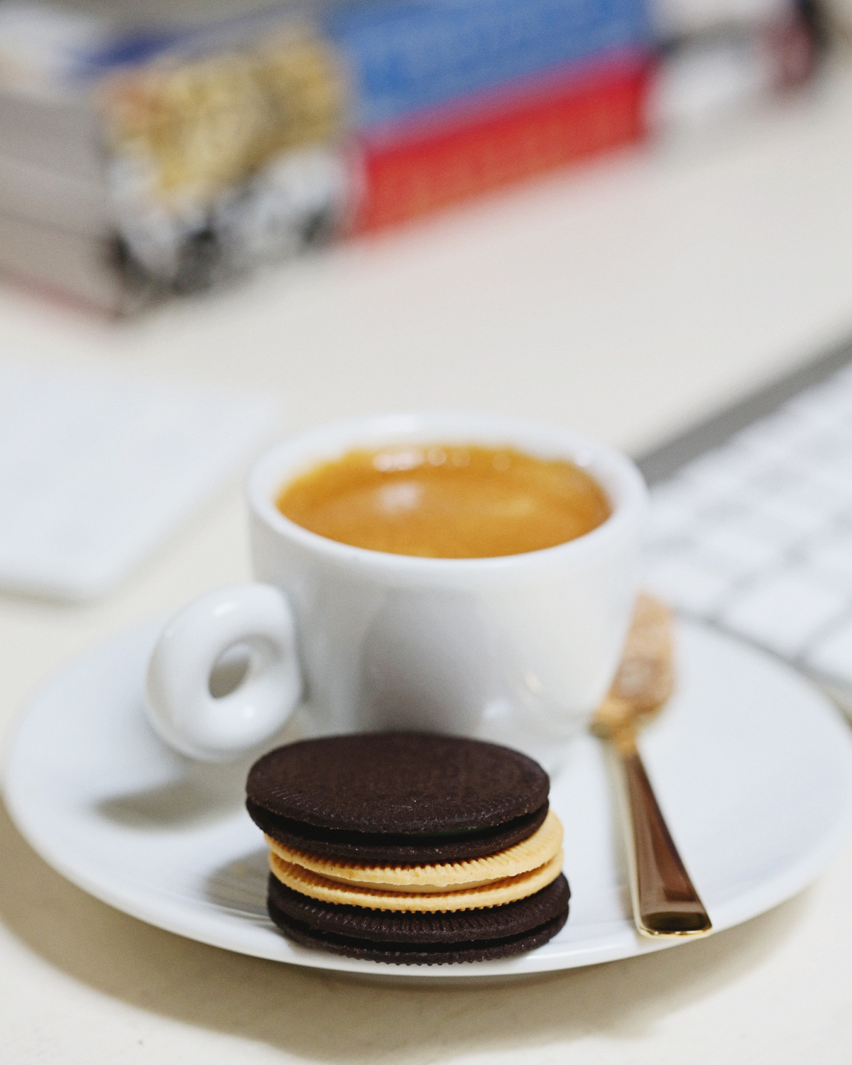 oreo-thins-indulgencies-small-office-space-5
