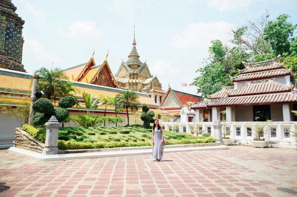 Temples + Floating Market in Bangkok