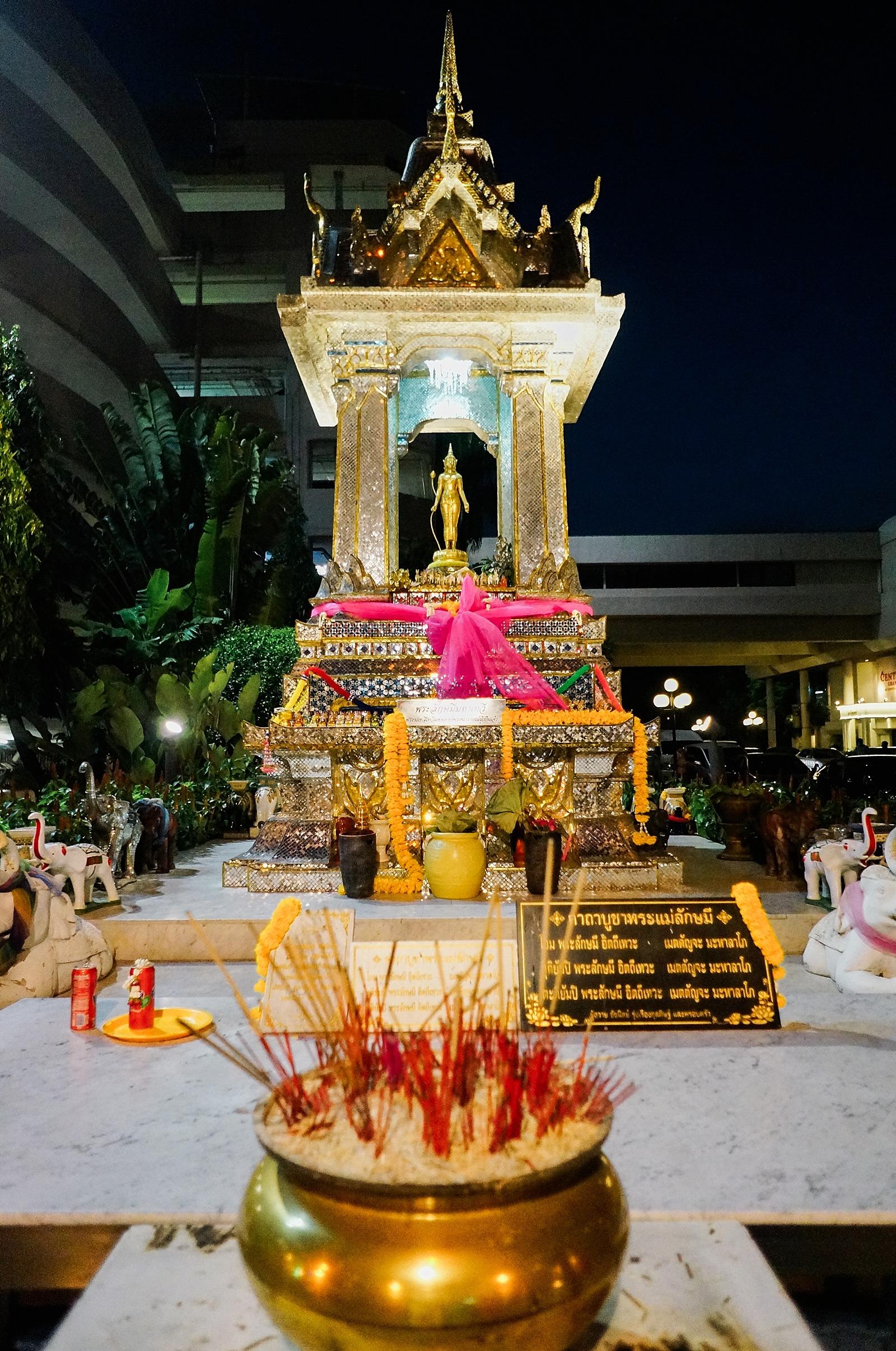 Thailand-diana-elizabeth-travel-blogger-phoenix-211