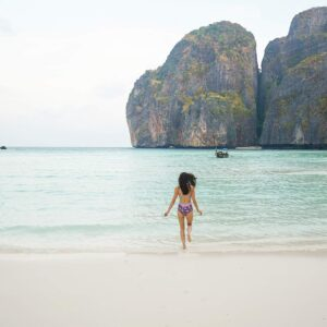 phoenix travel blogger diana Elizabeth Thailand phi phi islands blog post
