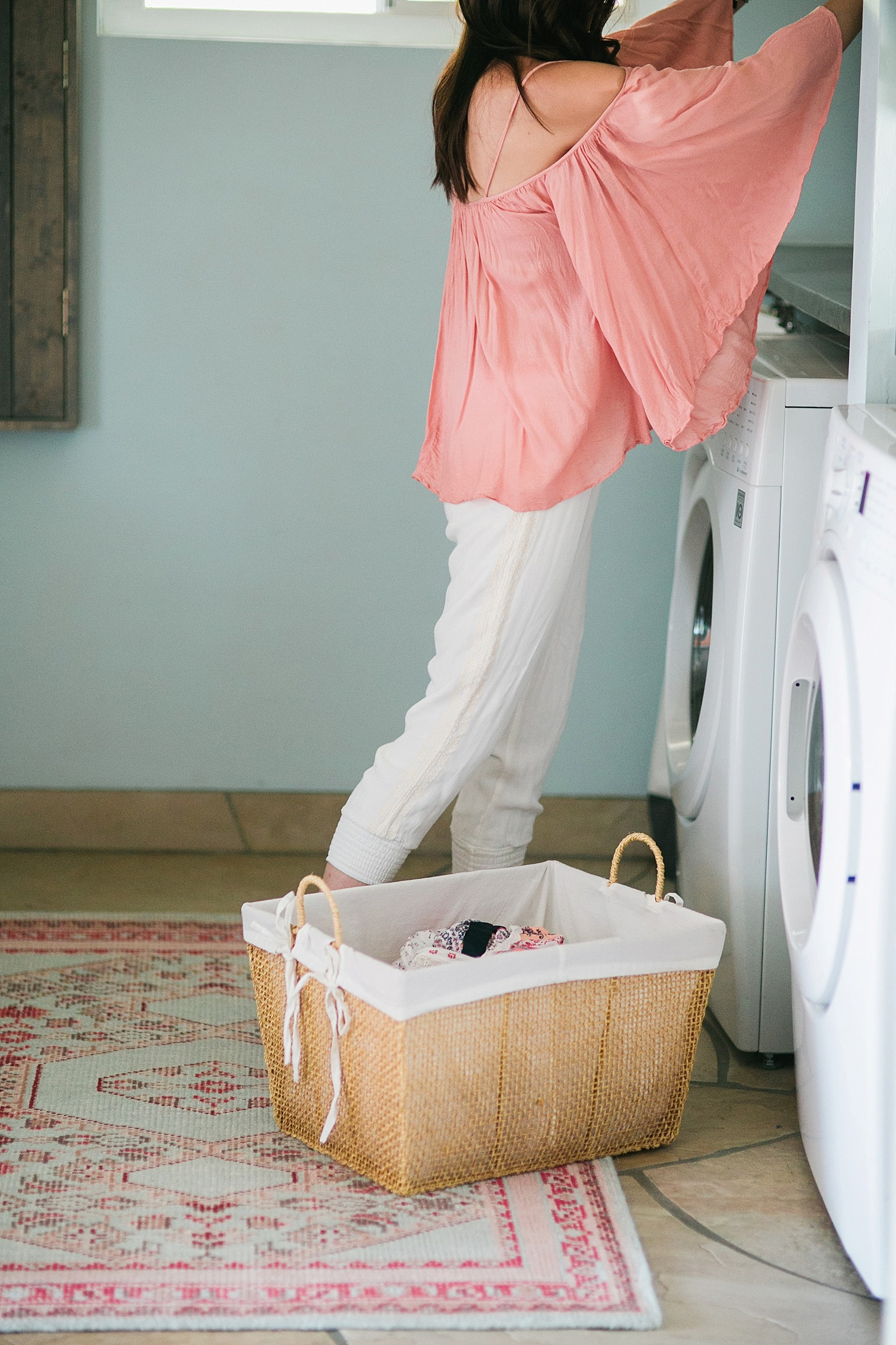 rugstudio-com-rug-studio-pink-sea-foam-laundry-room-rustic-mud-room-diana-elizabeth-blog_0069