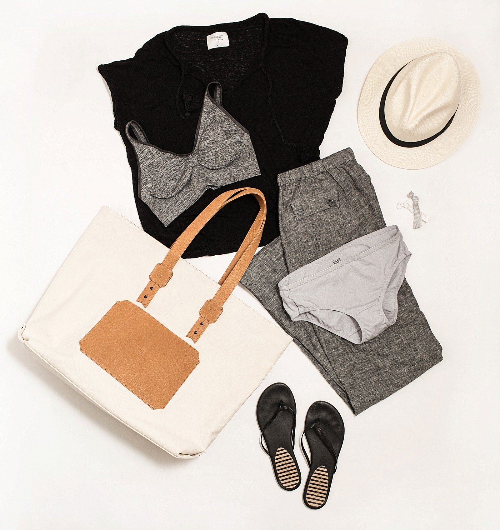 diana-elizabeth-blog-fashion-blogger_hanes-comfort-airplane-travel-flat-lay-0113