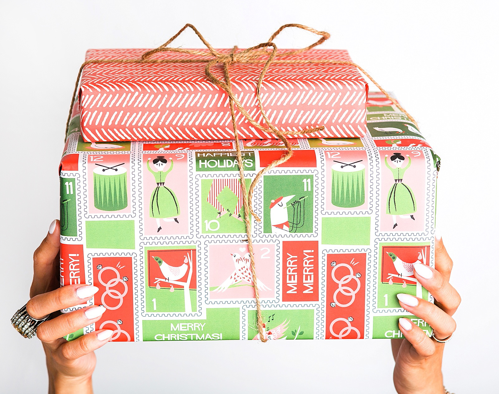 diana-elizabeth-blog-minted-custom-christmas-holiday-wrapping-paper-wurth-organizing-early-christmas-holiday-shopping-tips-2-2