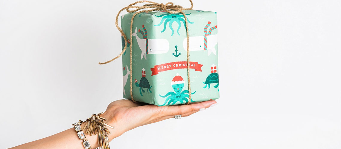 diana-elizabeth-blog-minted-custom-christmas-holiday-wrapping-paper-wurth-organizing-early-christmas-holiday-shopping-tips-2-6